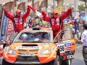 FOTOS: Pilotos peruanos también brillaron en el podio del Dakar 2013