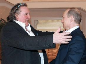 París cree que Putin está en su derecho de dar nacionalidad a Depardieu