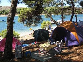 De viaje: Diez elementos indispensables para ir de campamento