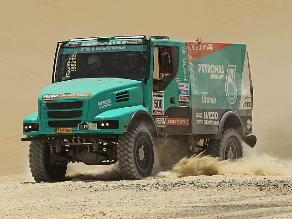 Gerard De Rooy lidera en camiones al ganar séptima etapa de Dakar