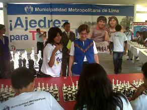 Deysi y Jorge Cori presentes en inauguración de escuela de ajedrez