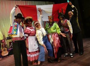 Los músicos ambulantes se presentan en San Cosme y El Porvenir