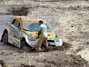 Detienen undécima etapa del Rally Dakar para los automóviles y camiones