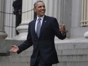 Obama bromea con falta de alcohol en fiesta de despedida de Geithner