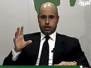 Hijo de Gadafi comparece ante un juez por primera vez
