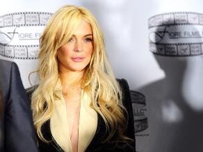 Padre de Lindsay Lohan niega que ella sea una prostituta