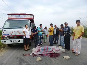 Chiclayo: Chofer muere arrollado cuando cambiaba llanta de su camión