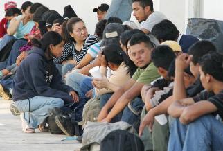 Miles de connacionales en España que desean volver piden Ley de Retorno