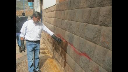 Desconocidos pintan 302 piedras incas en la ciudad del Cusco