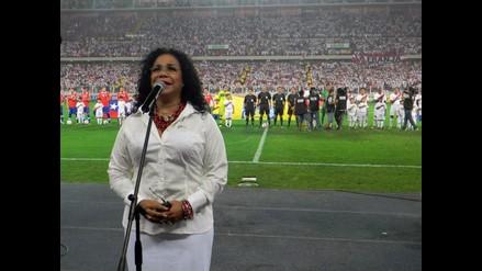 Eva Ayllón confirma haber sido maltratada en el Estadio Nacional
