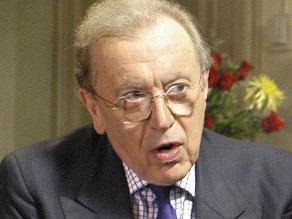 Muere David Frost, el periodista que acorraló a Nixon