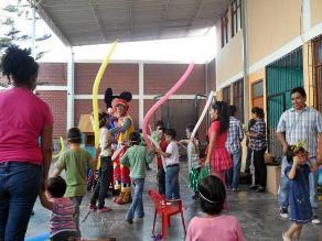 Arequipa: Sancionan a maestra por agredir niños de inicial en Caylloma