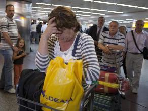 Pasajeros de avión forzado a aterrizaje de emergencia llegan a Sao Paulo