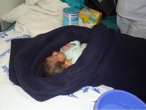 Pisco: Encuentran a bebé recién nacido en una bolsa de plástico