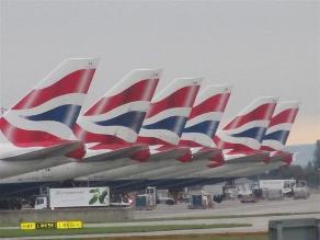 Usuario molesto se queja a British Airways con un tuit promocionado