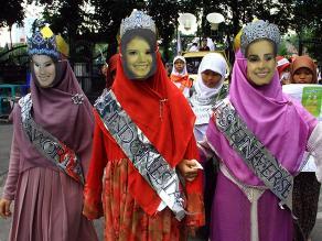 Musulmanes se manifiestan contra celebración de Miss Mundo en Indonesia