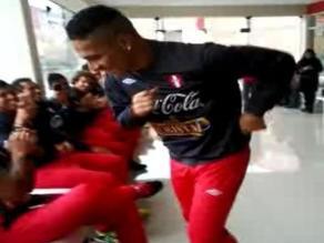 Guerrero, Farfán y Benavente bailaron y gozaron al ritmo de Óscar Avilés