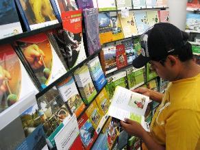 Trujillo: Arte y cultura en feria de libros universitaria