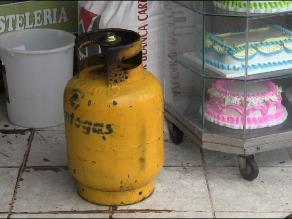 Trujillo: Bomberos controlan fuga de gas en céntrica panadería