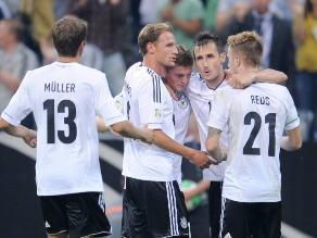 Alemania domina y golea a Austria y queda cerca del Mundial 2014