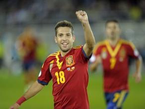España gana a Finlandia y pone pie y medio en el Mundial Brasil 2014