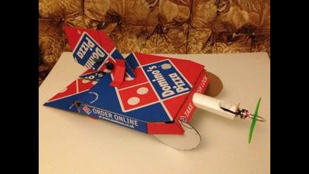 Convierten una caja de pizza en vehículo volador