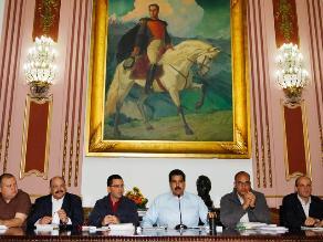 Oposición: Venezolanos quedan
