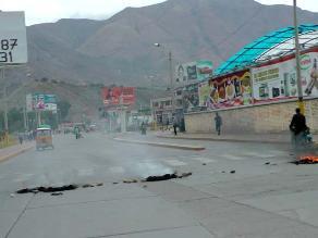 Huánuco: Transportistas mantienen bloqueada la Carretera Central por paro