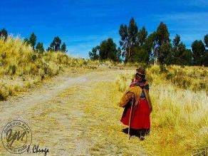 Presentan libro sobre Wiñaymarca, el misterioso lago menor del Titicaca