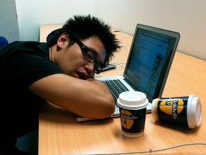 Dormir poco hace más atractiva la comida chatarra