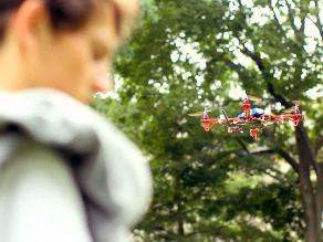 MIT diseña drone para guiar a estudiantes perdidos
