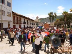 Moro: Pobladores amenazan con asesinar y quemar a delincuentes