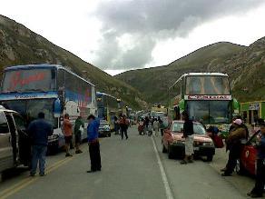 Asaltan bus interprovincial y tres camionetas en vía Cusco-Quillabamba
