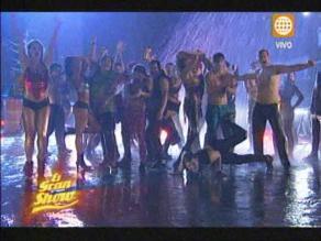 El Gran Show inició con baile acuático