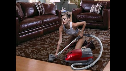 Miley Cyrus es víctima de nuevos memes tras desnudo en video