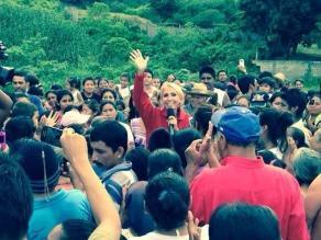 Laura Bozzo se solidariza con damnificados en México