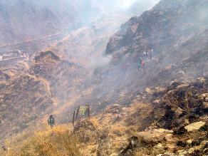 Incendio de grandes proporciones en complejo de Ollantaytambo