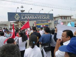 Gerente de Salud: ´50 % de trabajadores acatan huelga en Lambayeque´