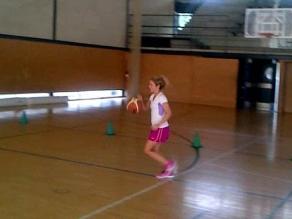 Así se ve Shakira jugando basket
