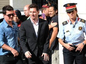 Messi llegó a juzgado entre aclamaciones y algún grito de