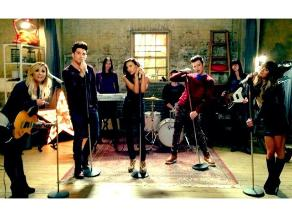 Lea Michele muestra foto junto a Demi Lovato y Adam Lambert