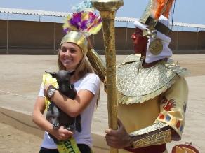 Trujillo: Reinas y bastoneras asombradas por majestuosidad de Chan Chan