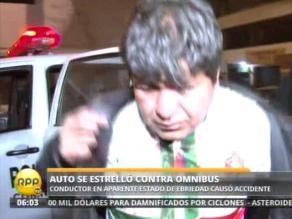 Conductor ebrio que iba con su pequeño hijo provoca un accidente en Comas