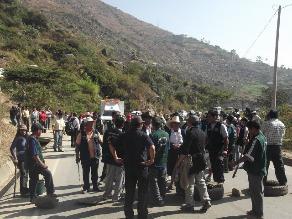 Otuzco: Violento enfrentamiento entre policías y mineros artesanales