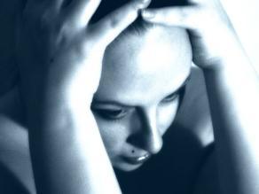 Personas con rosácea padecen trastornos psicológicos
