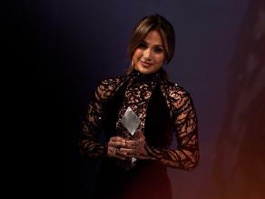 Jennifer Lopez recibe premio de comunidad gay y lésbica