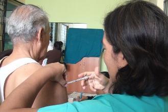 Lambayeque: Inmunizan a 100 mil personas vulnerables a la gripe AH1N1