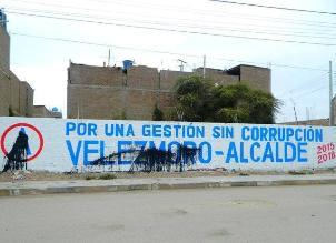 Lanzan pintura negra y aceite a propaganda de Alianza para el Progreso