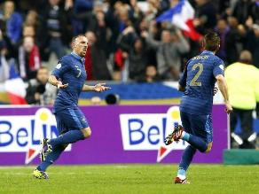 Francia goleó a Finlandia y definirá pase a Mundial en repechaje europeo