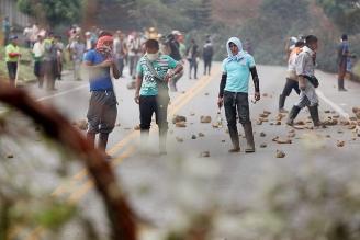 Indígenas colombianos liberan a cuatro militares que tenían retenidos
